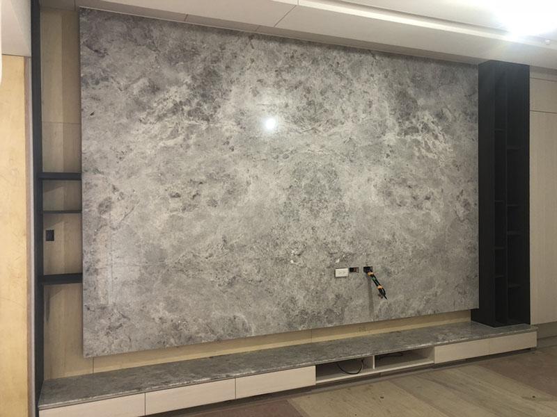 安德烈灰電視牆